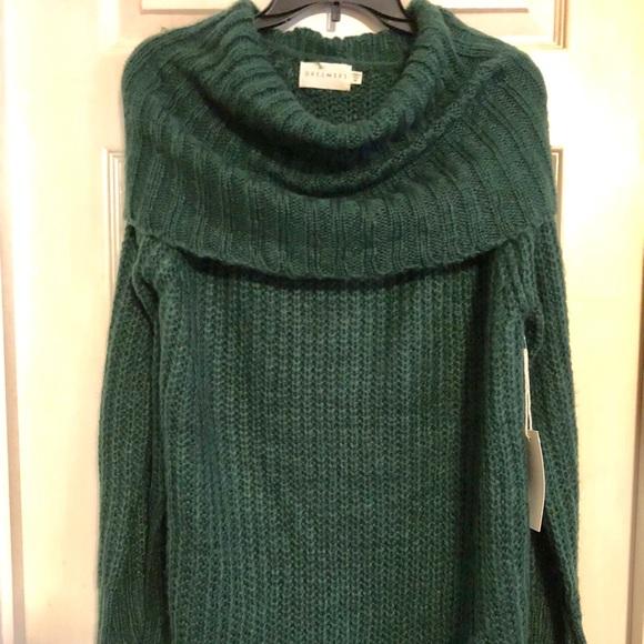 e2e31d8d406b4 Nordstrom Dresses   Nwt Big And Cozy Dark Green Dreamers Sweater ...